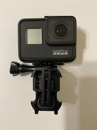 GoPro Hero7 Black w/ Charger