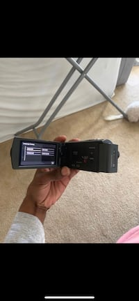 1080 HD CAMCORDER W/ BUILT IN PROJECTOR Charlotte, 28217