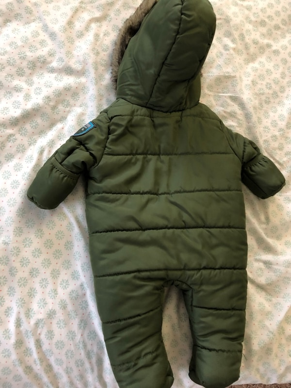 Weatherproof Snow suit(0-3 months)  3be1e026-bde5-4d7f-a1bf-3afd08085cf9