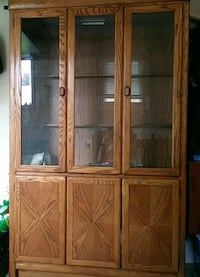 China cabinet Milton, L9T 6Y2
