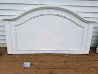 White wooden bed headboard and footboard Babylon, 11702