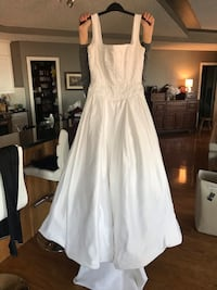 Wedding dress size 10 Edmonton, T5H 1S4