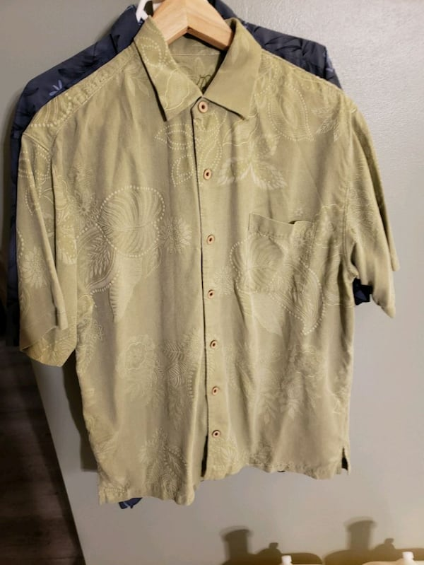 Collection of 20 mens shirts in various sizes ad06dd2f-9ee8-4578-93b9-1673ca10d651