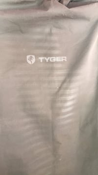 Tyger tri-fold truck bed cover Niceville, 32578