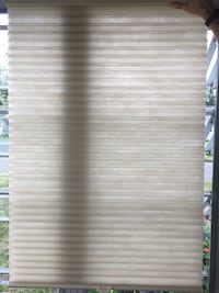 Hunter douglas celluar/ honeycomb shades