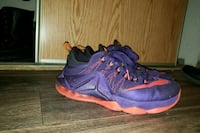Shoes lebron james 10.5 Kent, 98030
