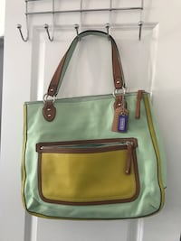 Authentic Coach leather purse Innisfil, L9S