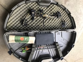 Youth Bear Apprentice ll compound bow and accessories