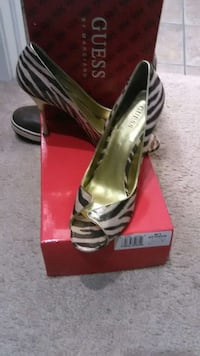 GUESS heels 9.5 size wore once Chicago, 60608