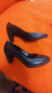 ECCO . Excellent condition.size 38 Toronto, M6B 1K1