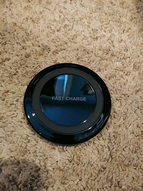 Fast Charge Wireless Phone Charger 381b4cd0-6842-4685-bbd8-06657a2251ae