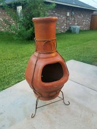 Clay Outdoors Chimney w/ Iron Stand Sachse, 75048