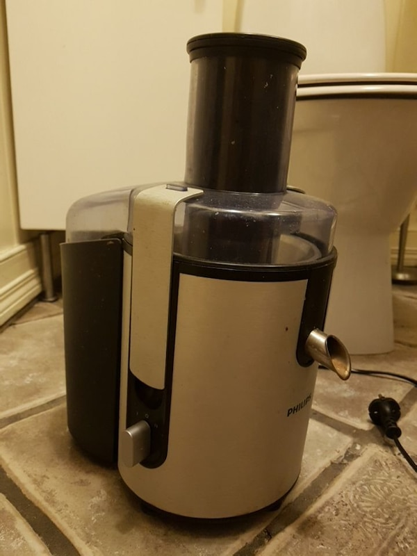 Hvit og svart Philips Power Juicer