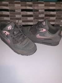 Nike air max shoes Manchester, 03104