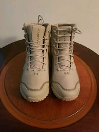 under armour  mens boots 9.5