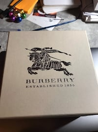 Beautiful Burberry watch.  Perfect as a gift for Christmas  Toronto, M2M 3X4