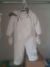 Baby snow suit 6-9months