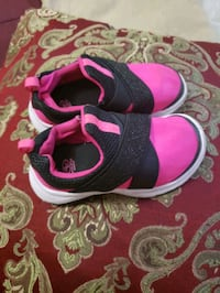 Athletic shoes girl size 7