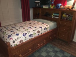 Pottery Barn Twin Bed Set