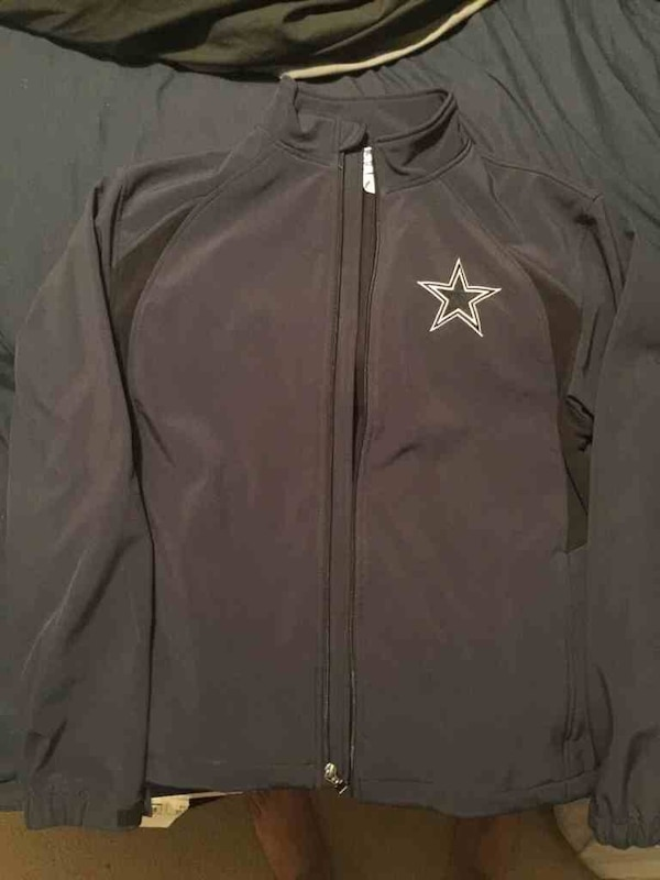 buy online 23f6c e6eb1 Dallas Cowboys rain jacket
