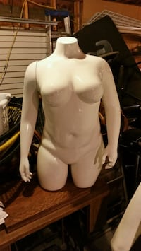 Mannequins - Female and Male Edmonton, T5N 2K4