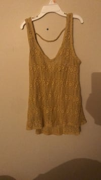 Women's yellow see thru lace tank top Winnipeg, R3T 4G9