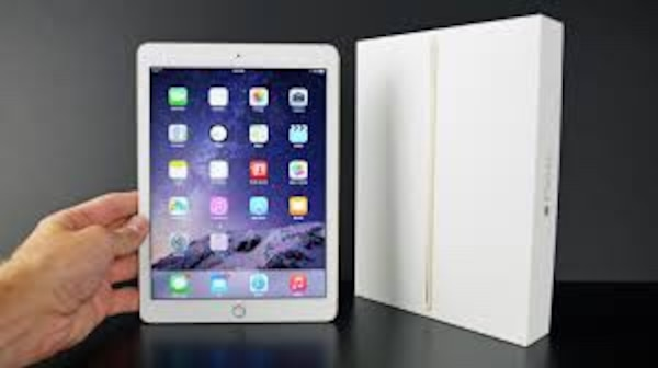 iPad Air - Unlocked + Excellent Condition + Charger + 30 day warranty