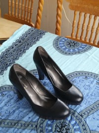 pair of black leather pumps Burnaby