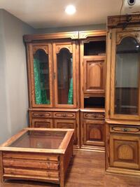 brown wooden framed glass display cabinet Gaithersburg, 20879