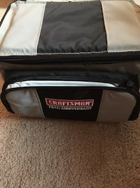 Insulated cooler/lunchbox