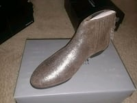 KENNETH COLE REACTION Y GORED ANKLE BOOTS  Silver Spring, 20910