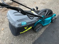 like new yardworks electric lawnmower with attach bag Brampton, L6S 2N6