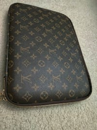 Louis Vuitton laptop shell North Springfield, 22151