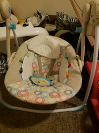 baby's white and gray swing chair Bakersfield, 93308