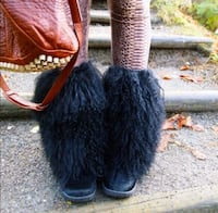 BNIB Winter boots curly lamb fur Toronto, M6P 3G7