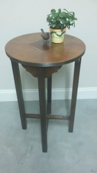 Vintage Inlaid Wood Table  Knoxville, 37918