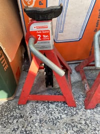 Two 2 tonne jacks Toronto, M4J 4A1