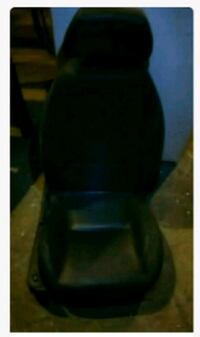4 leather automobile seats great shape  Mansfield, 44902