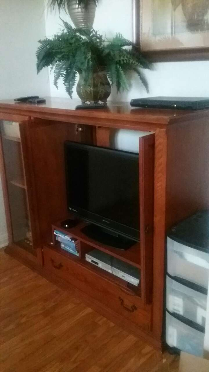 Photo Solid Wood, TV STAND - FIRM, MUST PICK UP
