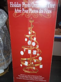 New, Photo Tree and 18 double sided picture frames. See description. 19 mi