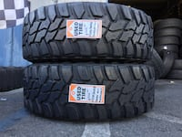 We Sell a Pairs of Used tires LT275/70R18 Mastercraf Courser MXT