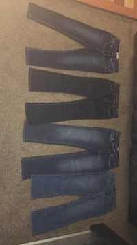 two black and blue denim jeans Boonsboro, 21713