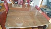Extendable dining table with 4 chairs Bradford West Gwillimbury, L3Z 1L1
