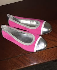 Shoes size 5 Columbia, 21046