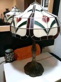 Stain glass lamp. Very nice!!