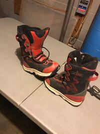 Liquid snowboard youth boots size 5.5 East Fishkill, 12533