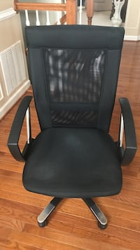 Black leather padded rolling armchair Aldie, 20105