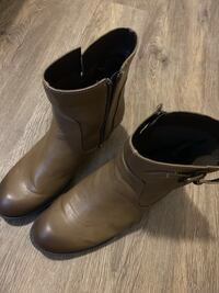pair of brown leather boots null, L2G 0A6