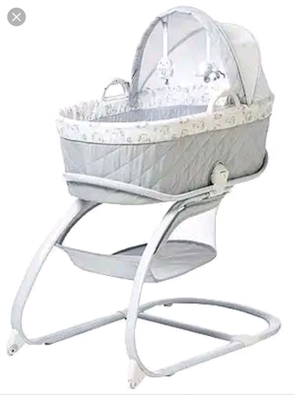 f46f20a1b86 Used Koala Baby- Bassinet with Moses basket for sale in Oakland - letgo