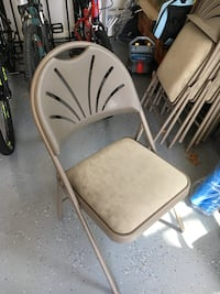 Padded folding chairs (15)